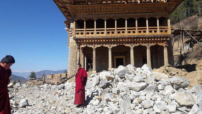 Buddhist monk, monastery, Buddhist temple